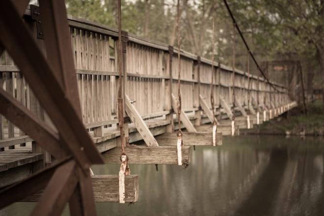 Eine der Swinging Bridges von Pontiac.