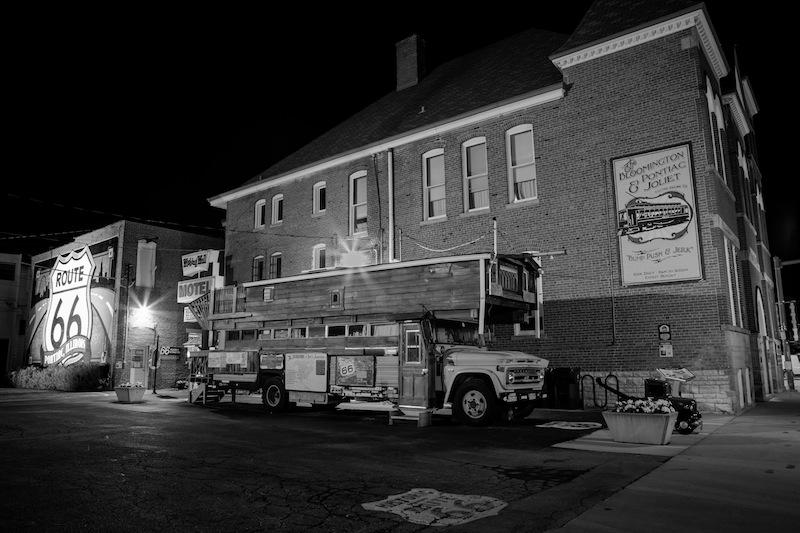 Bob Waldmire's Bus vor dem Route 66 Museum.
