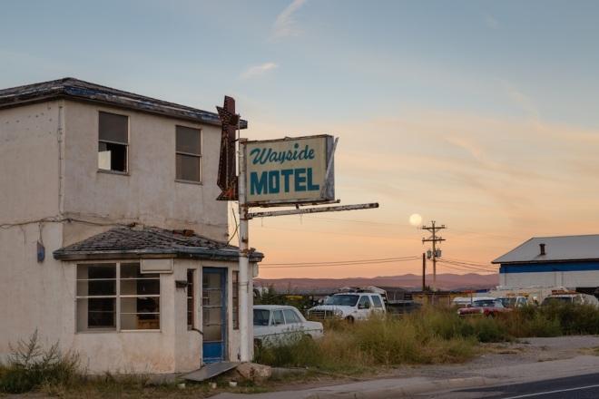 12 -wayside-motel-moon