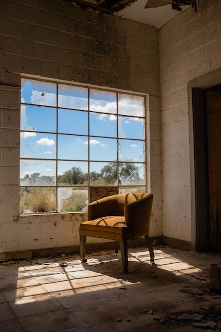 17 glenrio-inside-chair-3