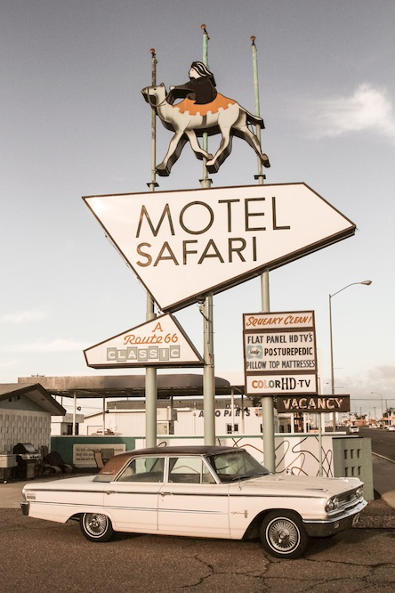 29 motel-safari-2