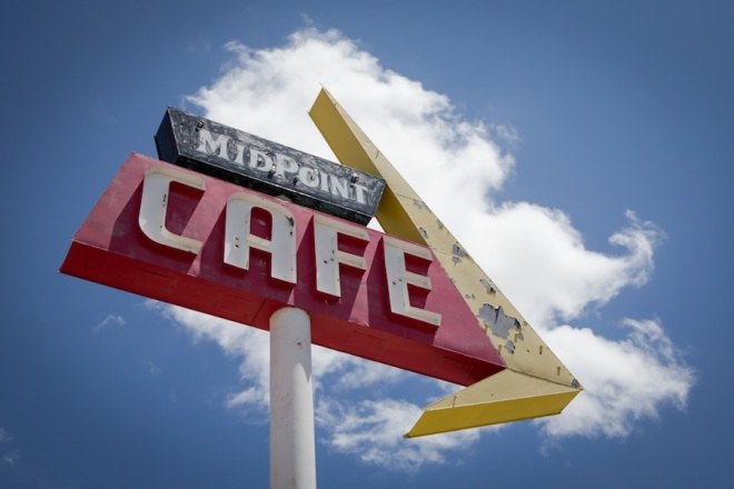 42 midpoint-cafe