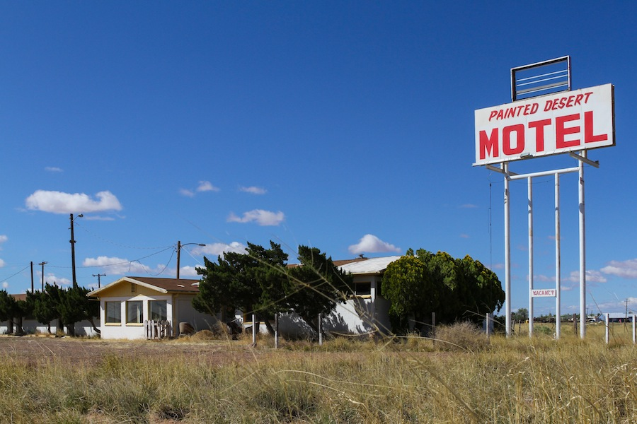 49 painted-des-motel-5