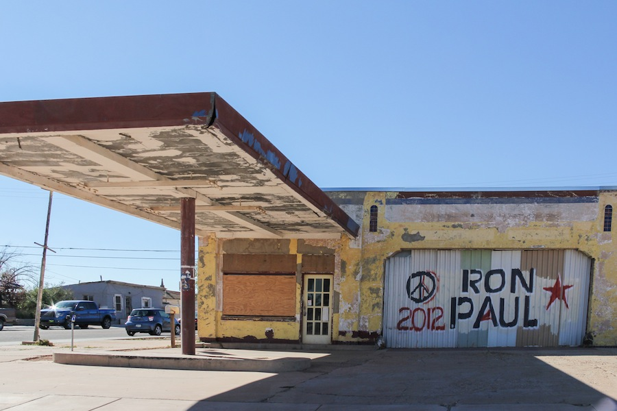 23 old-service-station-winslow