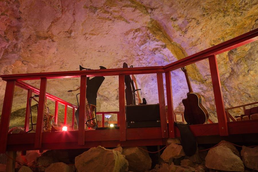 24 caverns-5