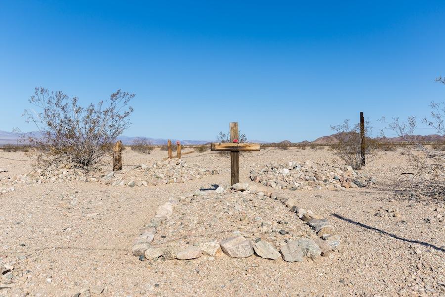 06 bagdad-cemetery-2